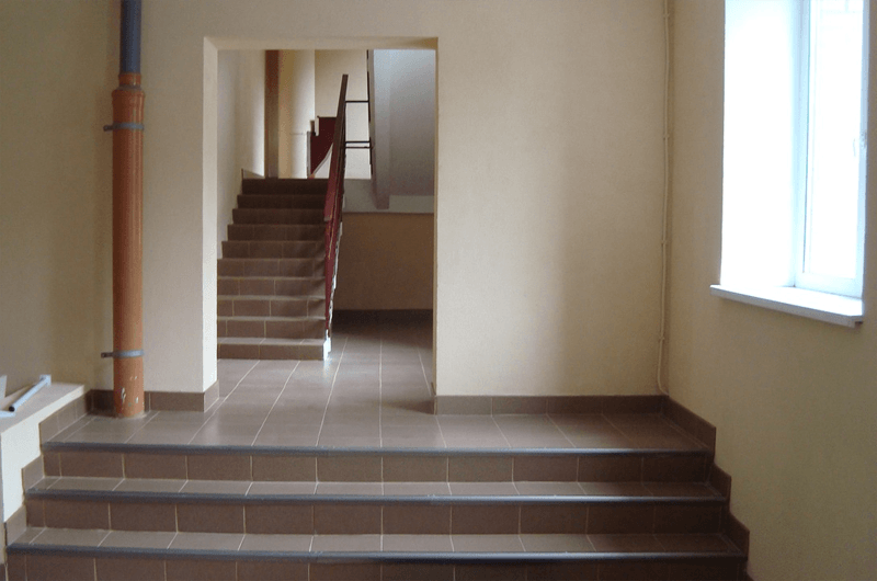 Жалоба на плохую уборку подъездов многоквартирного дома