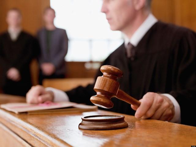 Как выписать из квартиры через суд?