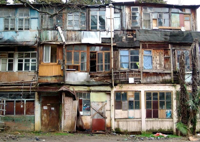 Как происходит расселение из аварийного жилья
